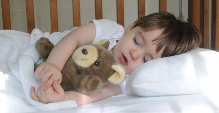 Как уложить ребенка спать вовремя