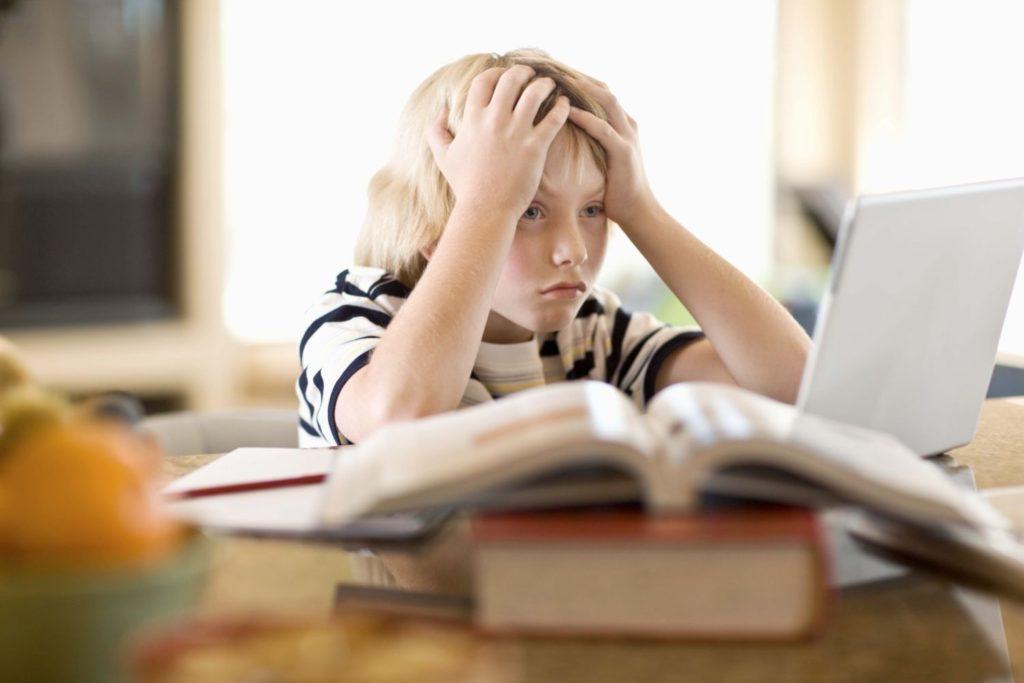 причины лунатизма у подростков