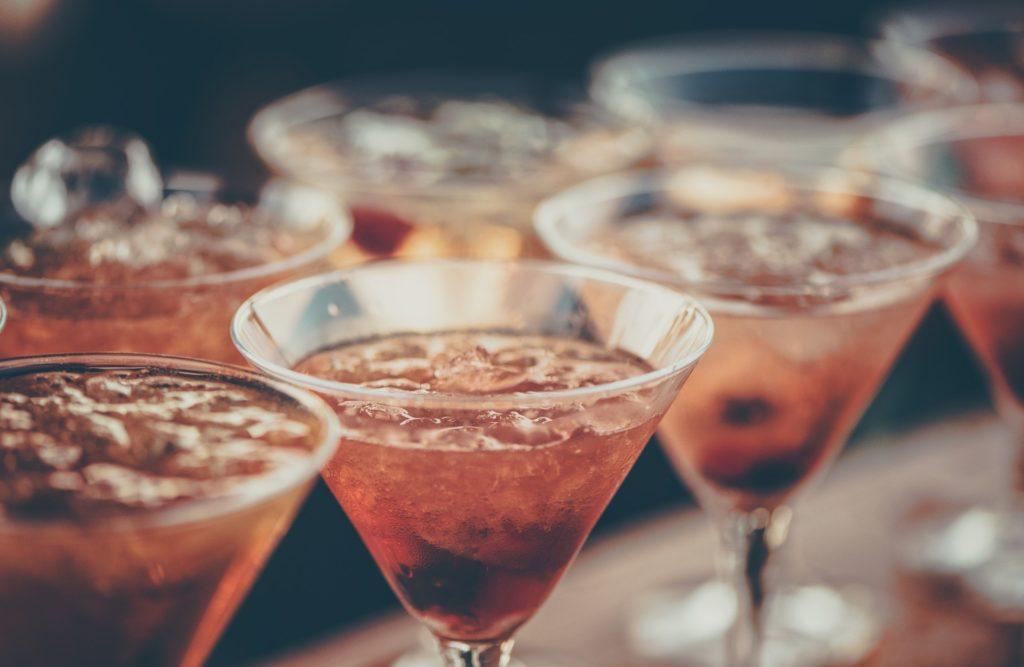 Помогает в том числе от алкогольной или наркотической зависимости