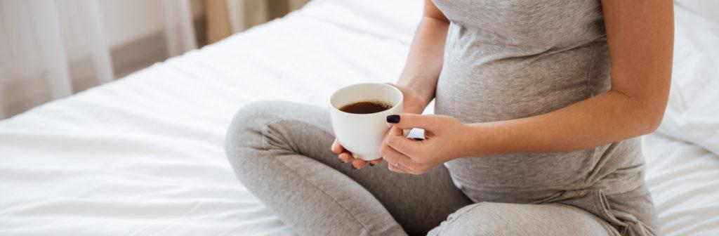беременна пьет ча