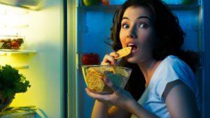 Почему нельзя есть перед сном