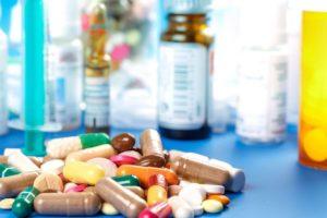медикаментами стабилизируют состояние нервной системы и нормализуют сон