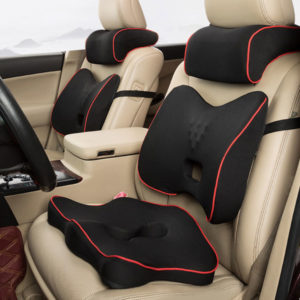 Комплект ортопедических подушек для автомобиля.