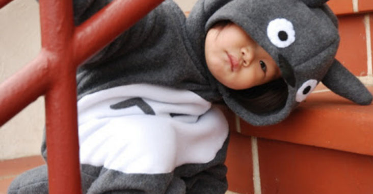 Ребенок в пижаме-кигуруми